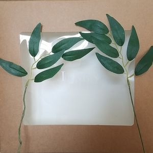 Ling's Moment faux Italian Ruscus Leaves